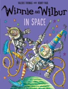 Winnie and Wilbur in Space, Paperback Book