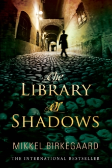 The Library of Shadows, Paperback Book