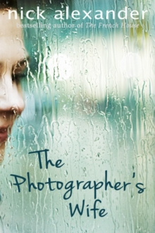 The Photographer's Wife, Paperback Book