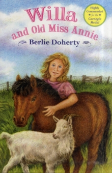 Willa and Old Miss Annie, Paperback Book