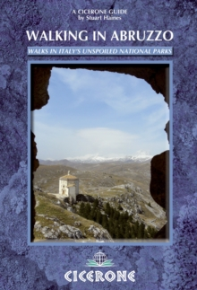 Walking in Abruzzo, Paperback Book